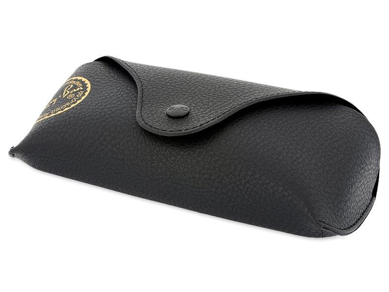 Original leather case (illustration photo)