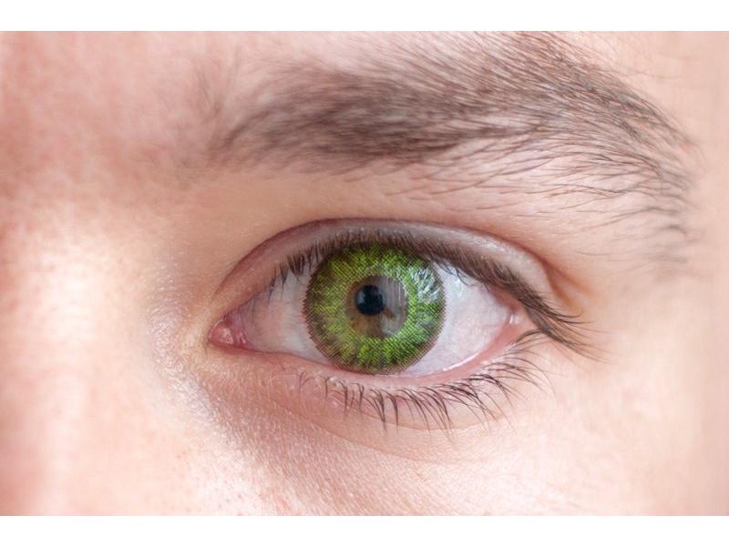 Fresh green na hnedom oku